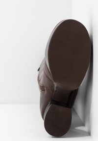 Jeffrey Campbell - COIL - High Heel Stiefel - coffee - 6