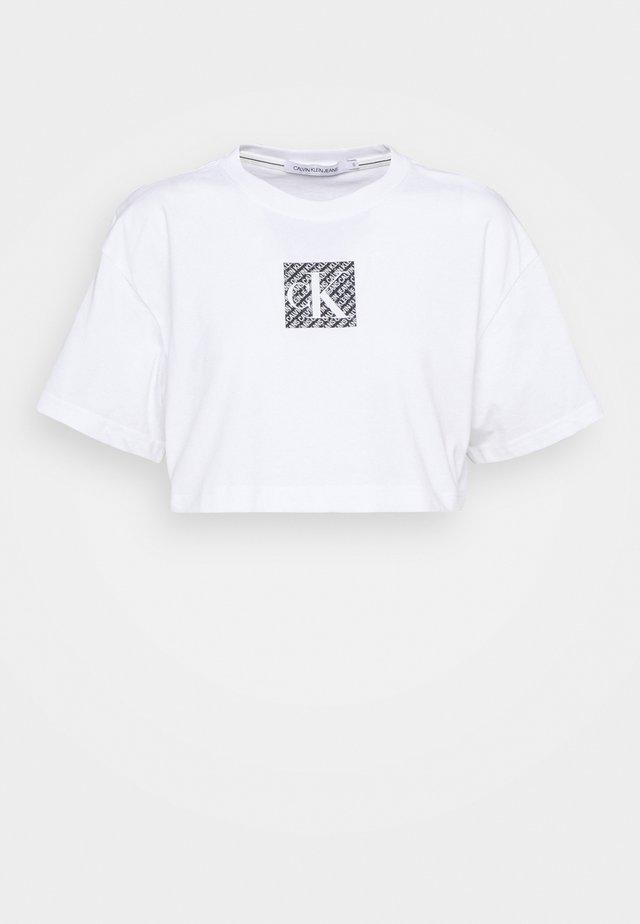 HOLOGRAM LOGO - T-shirt con stampa - bright white