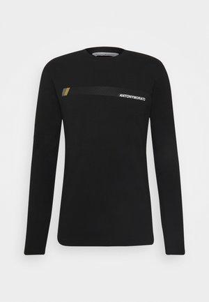 SUPER SLIM FIT IN STRETCH - Pitkähihainen paita - black