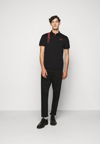 Hackett Aston Martin Racing - DYNAMIC LINES - Poloshirt - black - 1