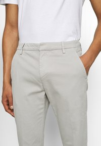 Dondup - PANTALONE GAUBERT - Chino - grey - 3