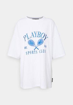PLAYBOY SPORTS OVERSIZE - Print T-shirt - white
