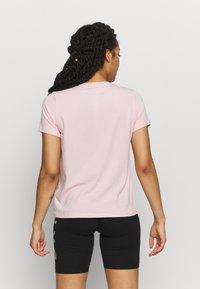 DKNY - TRACK LOGO - Print T-shirt - rosewater - 2