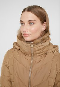MICHAEL Michael Kors - FITTED PUFFER - Down jacket - dark camel - 7