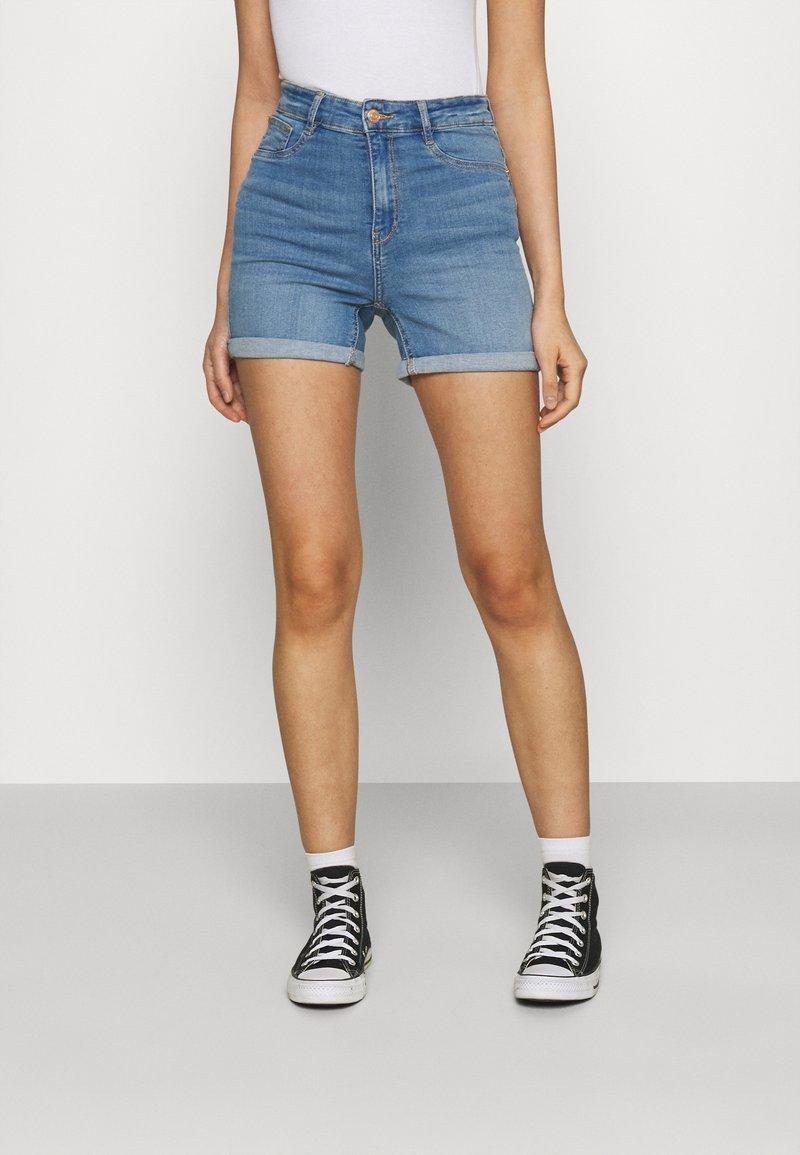 Gina Tricot - Denim shorts - mid blue