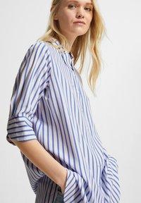 comma casual identity - Button-down blouse - powder blue stripes - 3
