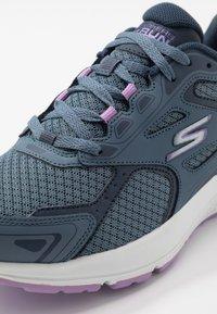 Skechers Performance - GO RUN CONSISTENT - Neutral running shoes - blue/purple - 5