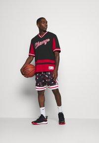 Mitchell & Ness - NBA CHICAGO BULLS FINAL SECONDS - Article de supporter - black - 1