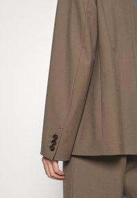 Samsøe Samsøe - ZEPHERINE - Short coat - black olive - 5