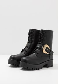 Versace Jeans Couture - Plateaustiefelette - nero - 4