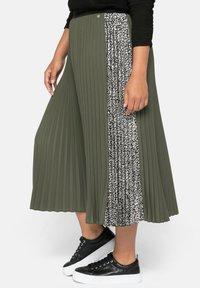 Sheego - A-line skirt - dunkelkhaki - 4