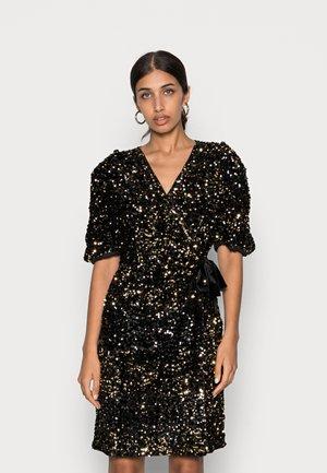 YASSEQUELLA DRESS - Cocktail dress / Party dress - black/gold