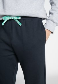 Only & Sons - ONSORGANIC SWEAT PANTS - Spodnie treningowe - black - 4
