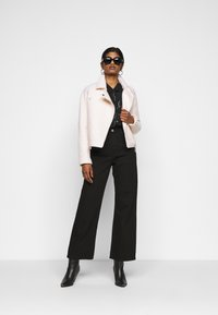 Dr.Denim Petite - ECHO - Jeans relaxed fit - black - 1