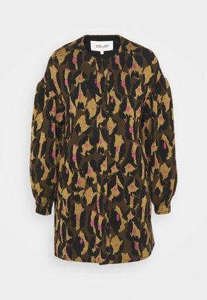 CARMELLA COAT - Classic coat - cocoa brown