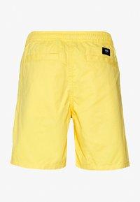 Vans - MN RANGE SHORT 18 - Shorts - yellow cream - 1