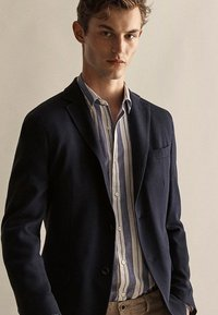 Massimo Dutti - MIT STRUKTURMUSTER  - Blazer jacket - dark blue - 2