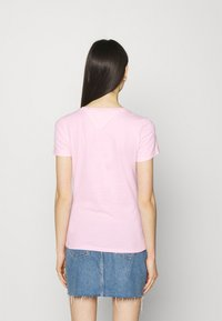 Tommy Jeans - FLAG TEE - T-shirt print - romantic pink - 2