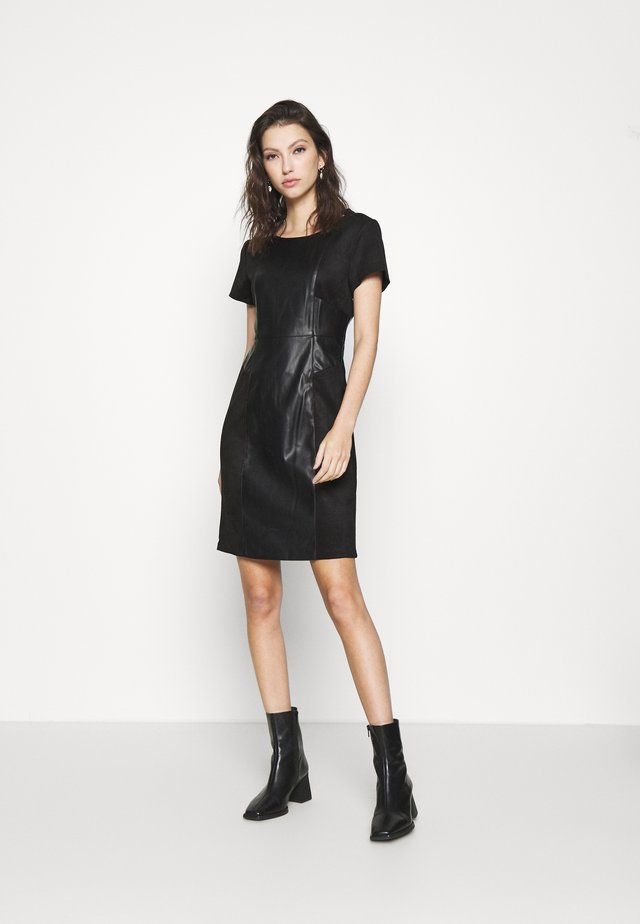 ONLELISA MIX DRESS - Robe d'été - black