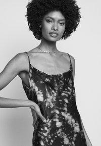 Olivia Rubin - LIA DRESS - Koktejlové šaty/ šaty na párty - multicoloured - 4