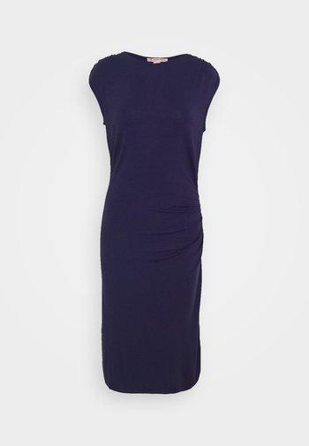 Pouzdrové šaty - evening blue