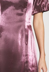 Glamorous - CORSET MINI DRESS WITH PUFF SHORT SLEEVES AND CURVED NECKLINE - Vestito elegante - pink metallic - 5
