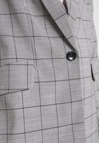 ONLY - ONLCAROLINA CHECK - Blazer - light grey melange/black - 5