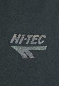 Hi-Tec - MADDOX - Triko spotiskem - washed black - 4