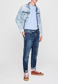 Pepe Jeans - Slim fit jeans - blue denim - 0