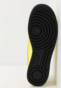 Nike Sportswear - AIR FORCE 1 GTX - Sneakers laag - dynamic yellow/black - 4