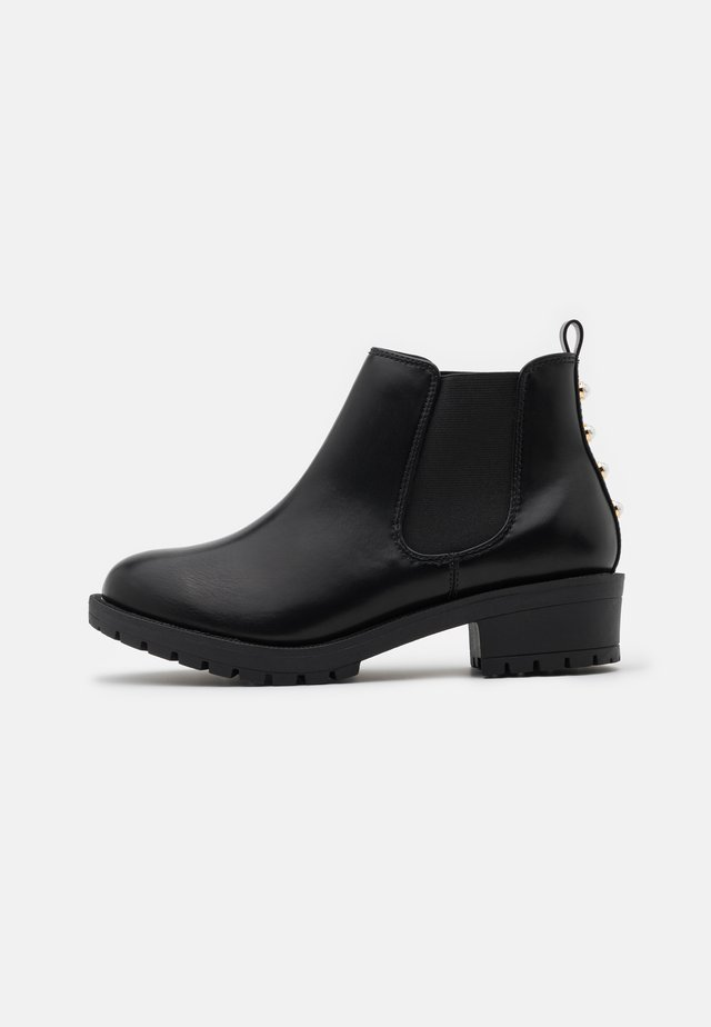 WIDE FIT BIAPEARL CHELSEA BOOT - Tronchetti - black