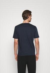 Tiger of Sweden - OLAF - Basic T-shirt - light ink - 2