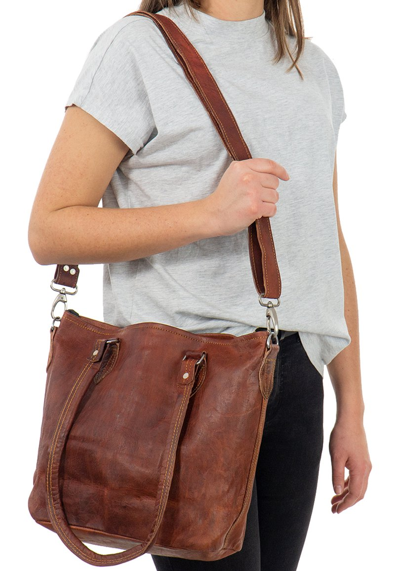 Gusti Leder - Käsilaukku - brown