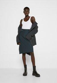 Vivienne Westwood - LOOSE INFINITY SKIRT - Pencil skirt - green - 1