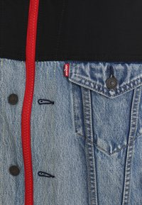 Levi's® - UNBASIC MOCKNECK TRUCKER - Giacca di jeans - cruv trucker - 6