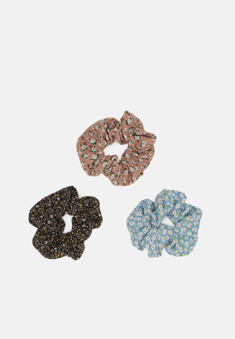 Pieces - PCIRELA 3 PACK SCRUNCHIE - Hair styling accessory - black/flower/rose