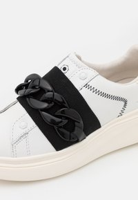 MOA - Master of Arts - DOUBLE GALLERY - Sneakers - poise details - 6