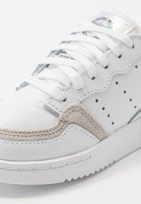 adidas Originals - SUPERCOURT - Trainers - footwear white/core black - 2