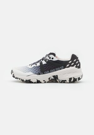 SERTIG II LOW WOMEN - Hiking shoes - bright white/black