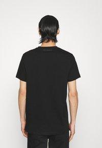 KARL LAGERFELD - CREWNECK - Print T-shirt - black/gold - 2