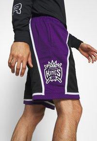 Mitchell & Ness - NBA SWINGMAN SHORTS SACRAMENTO KINGS - Sports shorts - black - 3