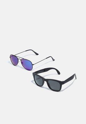 NKMDOSSUNGLASSES 2PAXCK UNISEX - Sluneční brýle - black/fold