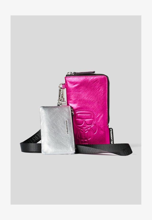 Monedero -  pink/silve