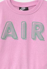 Nike Sportswear - CREW - Sudadera - arctic pink - 2