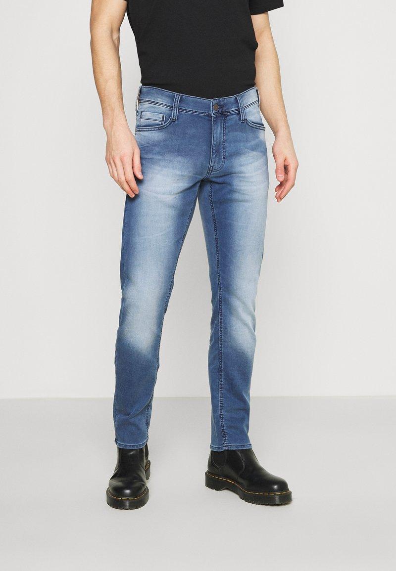 Mustang - OREGON - Straight leg jeans - denim blue