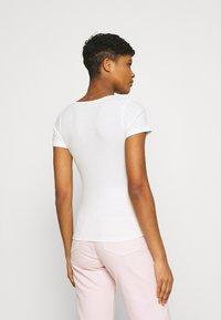 Pepe Jeans - FREJA - Print T-shirt - off white - 2