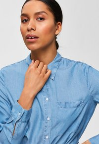 Selected Femme - Vestito lungo - light blue - 3