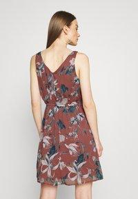Vero Moda - VMWONDA NEW SINGLET SHORT DRESS - Day dress - rose/brown - 2