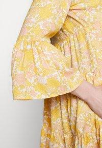 ONLY - ONLATHENA 3/4 DRESS - Kjole - white/yellow - 5