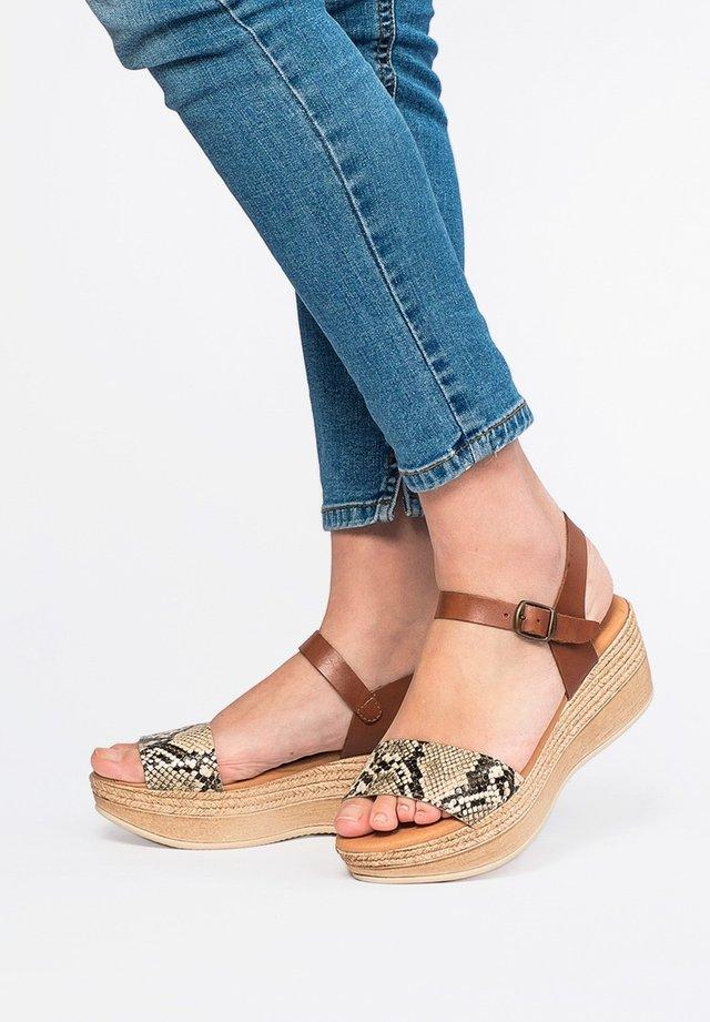 Platform sandals - 702